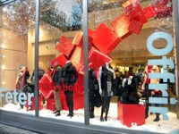 Retail Feature for Gap, Champs Elysees, Paris